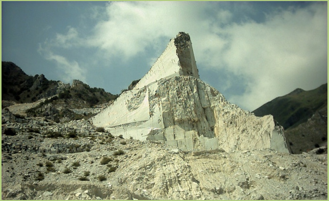 The wealth of Italy - One of the many marble quarries
