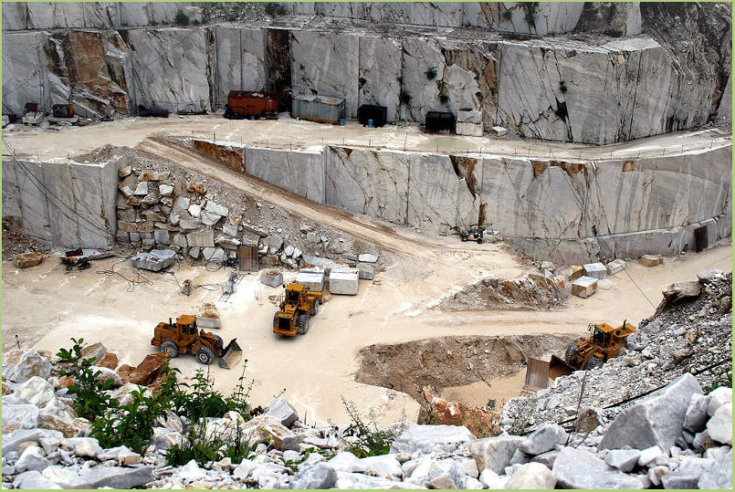 RESIMARMO quarries - Carrara marble career
